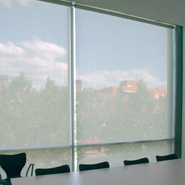 Estor enrollable para m xima visibilidad al exterior for Estor enrollable exterior
